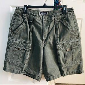 mens Columbia green/gray cargo shorts 34
